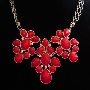 PREMIER DESIGNS RED FACETED STATEMENT NECKLACE